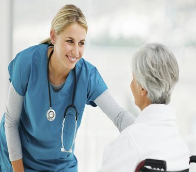 حضور حرفه ای و قابل اعتماد پرستار سالمند